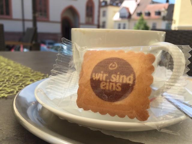 Is' nur ein Keks, aber beim Aufessen können wir was verinnerlichen. Foto: Saler