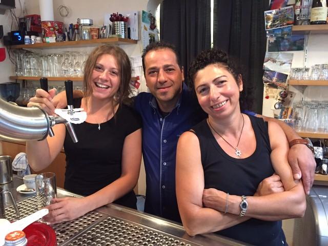 """Sie sorgt für """"Gastfreude"""", weil sie liebt, was sie tut: Rita (rechts) mit Valerio und Teresa."""